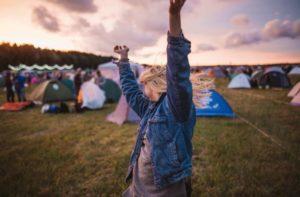 falls festival girl dancing
