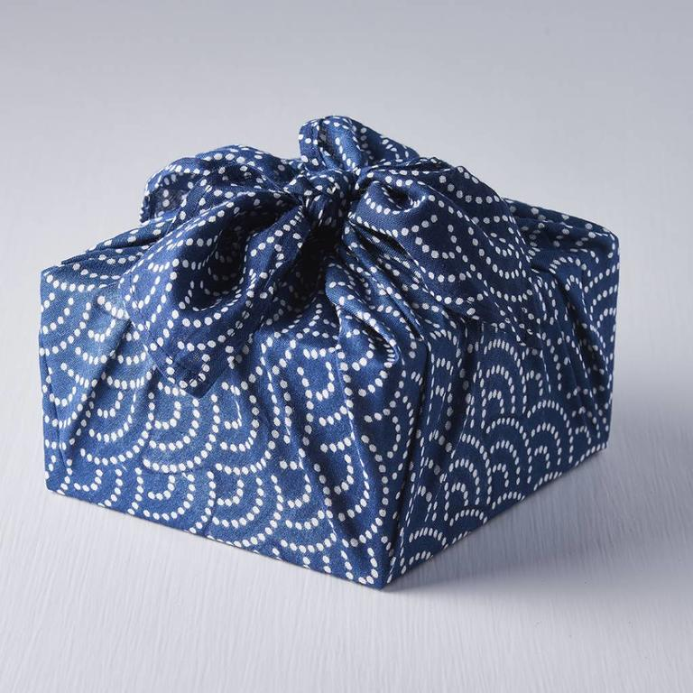 sustainable Christmas wrapping